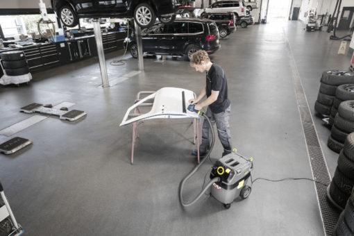 Пылесос влажной и сухой уборки NT 30/1 Ap L в работе