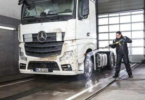 Аппарат высокого давления с подогревом HDS 8/18-4 M В работе с грузовиком