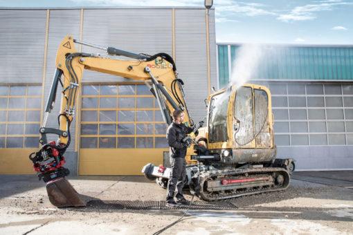 Аппарат высокого давления HD 7/16-4M в работе
