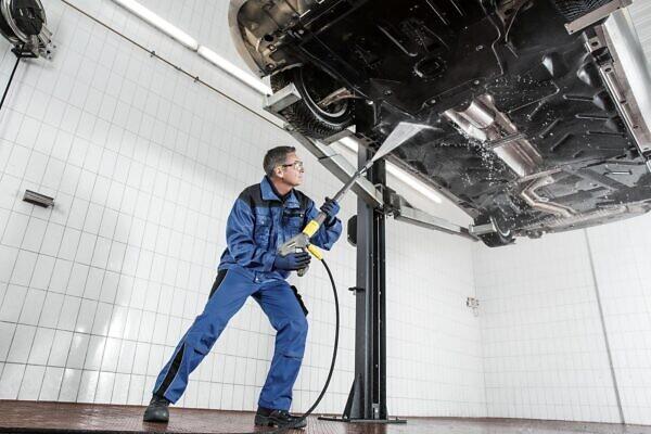 Аппарат высокого давления HD 9/20-4 M Karcher для мойки авто