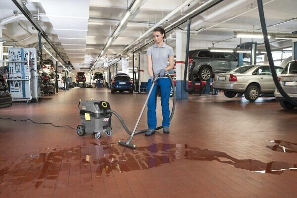 NT 30/1 Tact L в работе влажная уборка